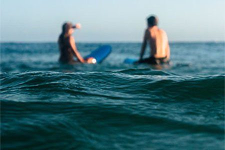 learn-to-surf-couples-group-lesson-sss-surf-school-newquay-cornwall