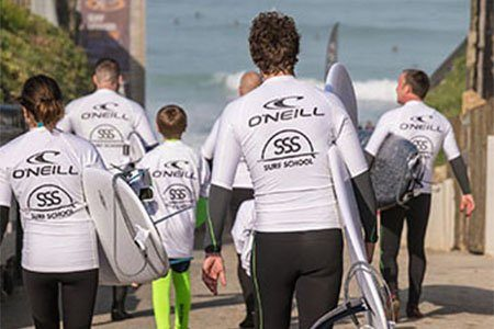 learn-to-surf-family-group-lessons-sss-surf-school-newquay-cornwall